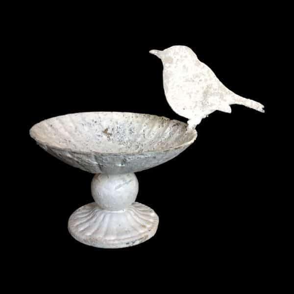 Decorative dish with robin