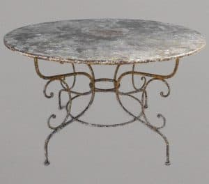 Large round Arras style table