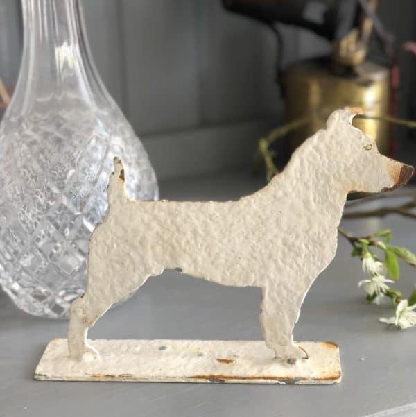 Metal profile of a mini Jack Russell